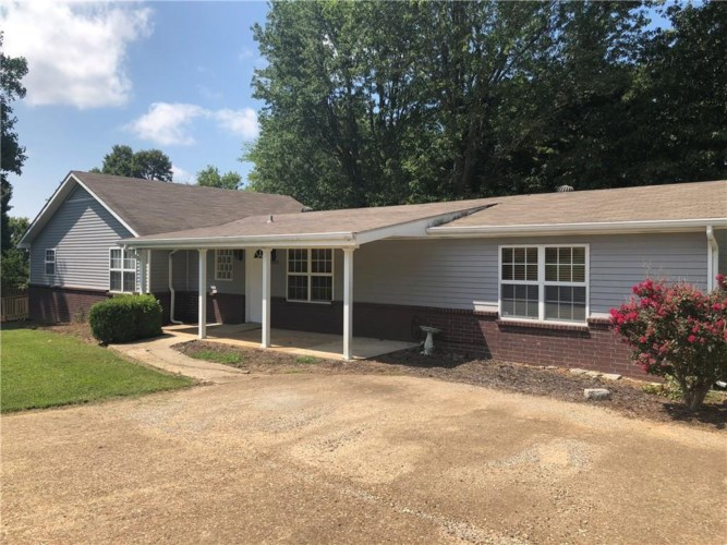 2531 N Tinas Crossing, Fayetteville, AR 72701
