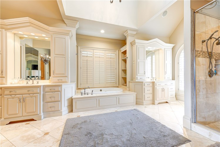 4 S St. Andrews Drive, Rogers, AR 72758