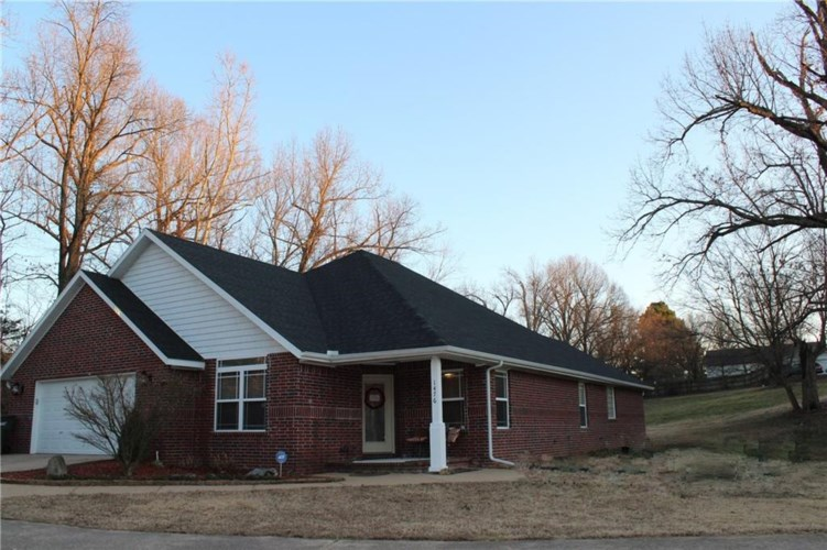 1476 Tradition Avenue, Fayetteville, AR 72704