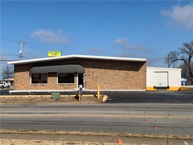 1110 W Robinson Avenue, Springdale, AR 72764