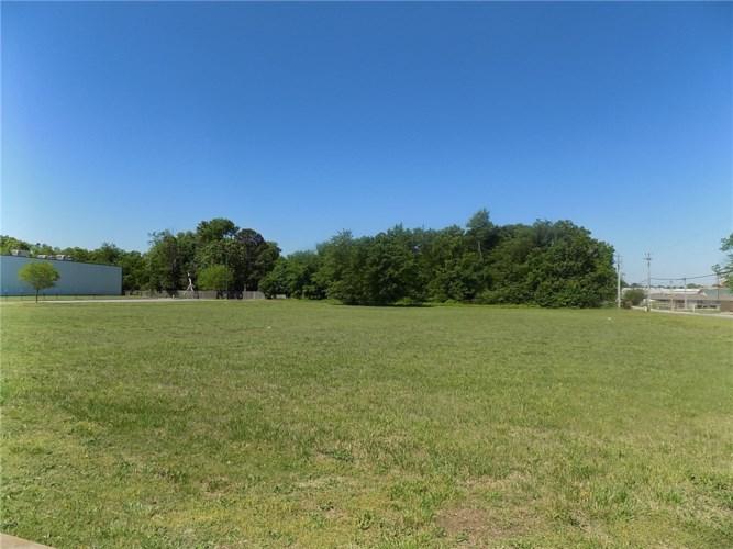 1.66 acres W Kenwood Street, Siloam Springs, AR 72761