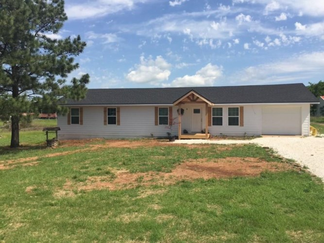 811 W Holt Road, Lincoln, AR 72744