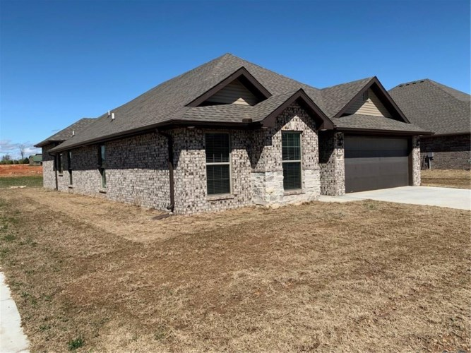 740 Arkansas Black, Centerton, AR 72712