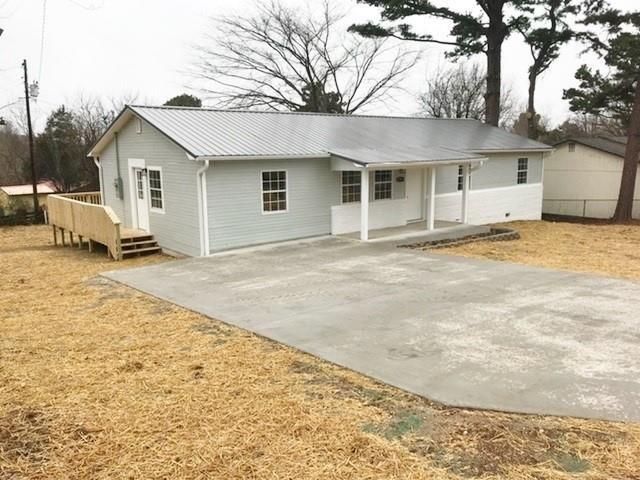 203 Cherry Lane, Huntsville, AR 72740