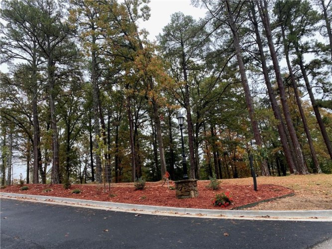 5 Pine Crest Lane, Eureka Springs, AR 72632