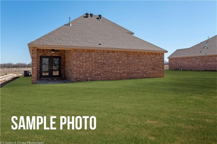1407 Fifth Avenue, Lowell, AR 72745