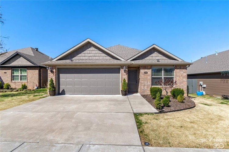 1710 S K Place, Rogers, AR 72756