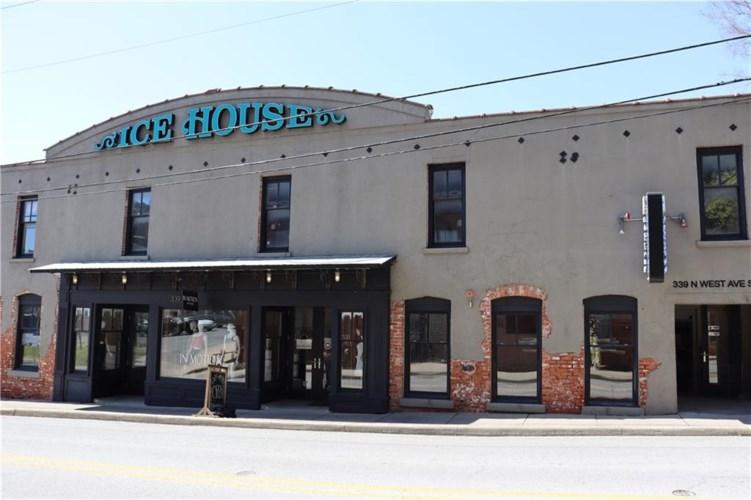 339 N West Avenue  #206, Fayetteville, AR 72701
