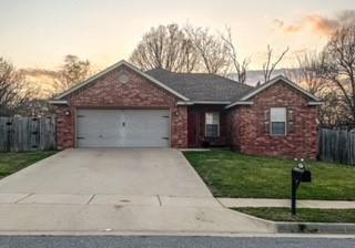 981 Sundowner Ranch Avenue, Prairie Grove, AR 72753