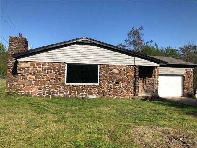 3301 S Dogwood Street, Siloam Springs, AR 72761
