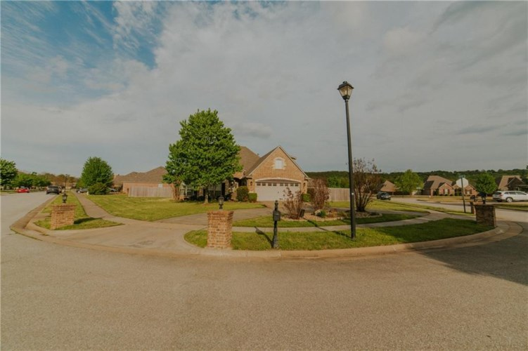 3907 Mountain View Drive, Fayetteville, AR 72704