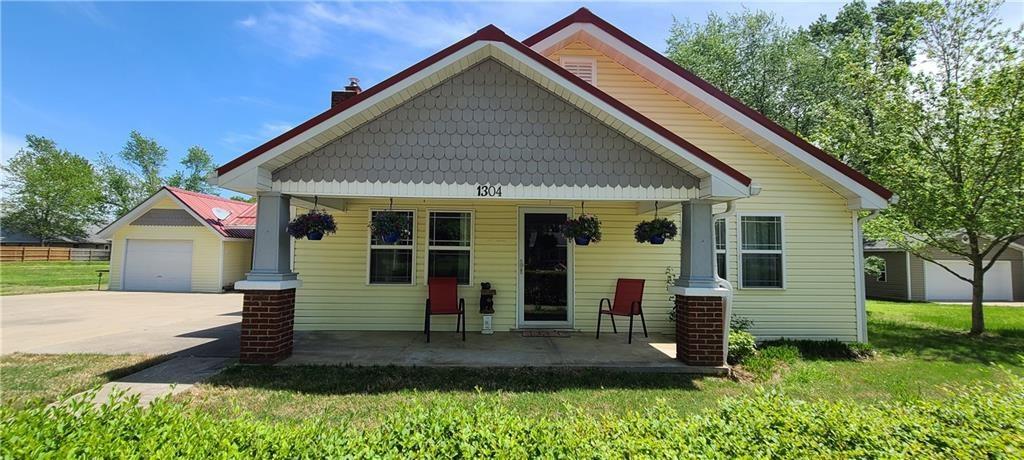 1304 Bella Vista Road, Bentonville, AR 72712