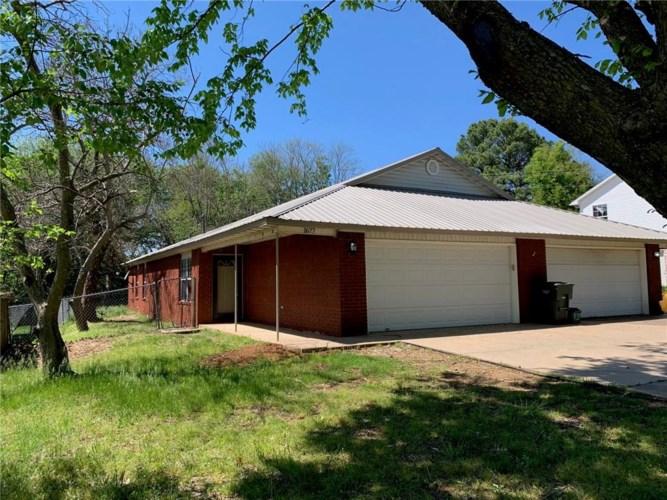 1677 N Saddlehorn Avenue, Fayetteville, AR 72703