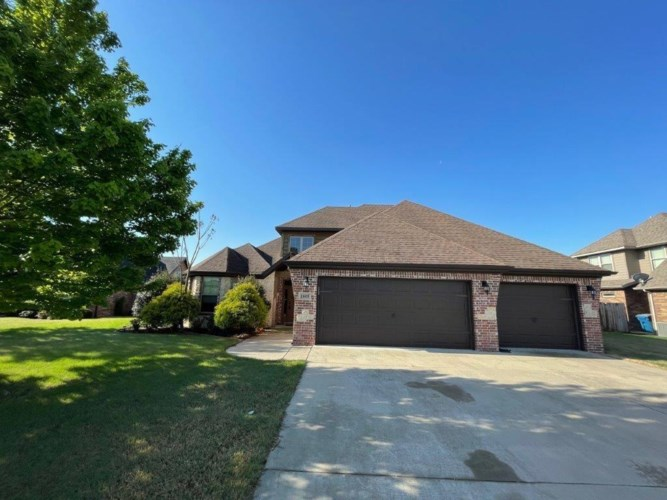 1405 SW Hayfield Avenue, Bentonville, AR 72713