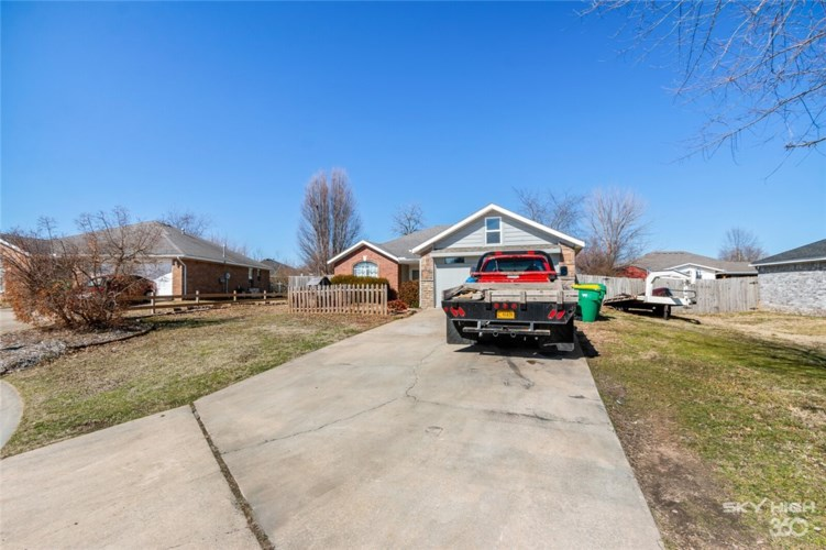 740 Patty Lane, Centerton, AR 72719