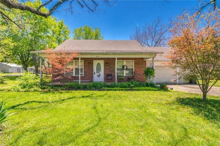 407 E Cleveland Street, Prairie Grove, AR 72753