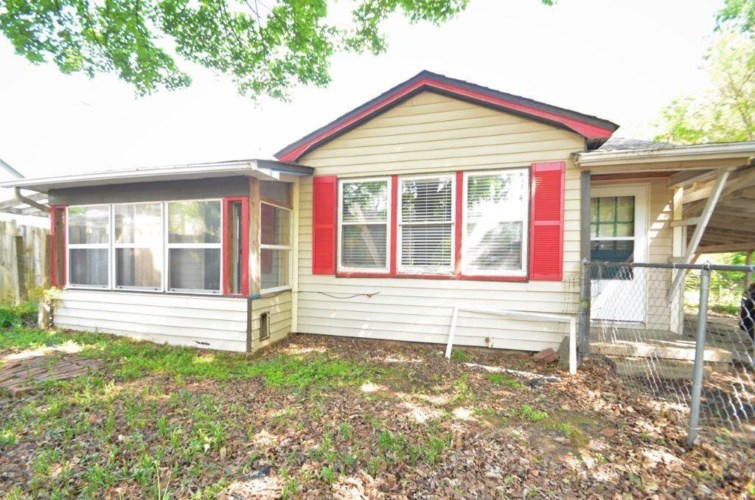 301 SE Henry Street, Bentonville, AR 72712