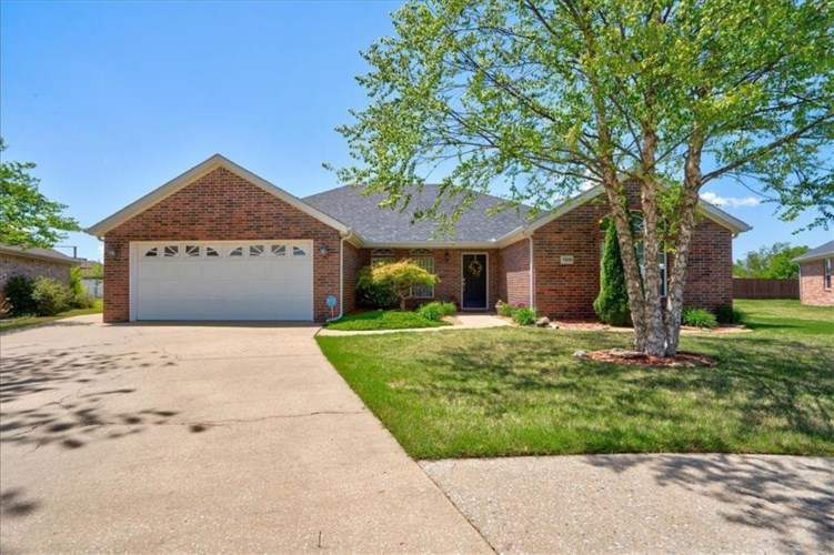 5108 S 60th Place, Rogers, AR 72758