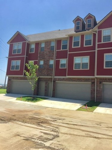2745 W Cottonwillow Way, Fayetteville, AR 72704