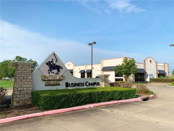 8200 SW Regional Airport Boulevard, Bentonville, AR 72713