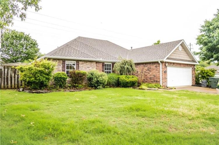 1850 Cannondale Drive, Fayetteville, AR 72704