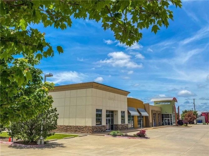 701 SW Regional Airport Boulevard  #1, Bentonville, AR 72713