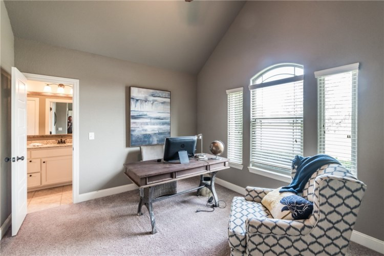 5802 W Red Maple Drive, Rogers, AR 72758