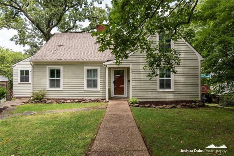 206 W Maple Street, Fayetteville, AR 72701