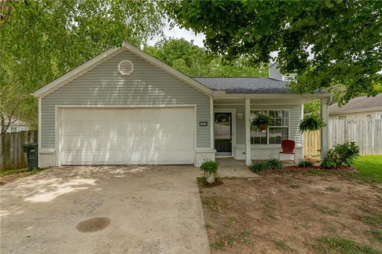 1814 Pine Cone Drive, Fayetteville, AR 72704