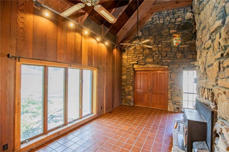 106 N Country Club Road, Siloam Springs, AR 72761