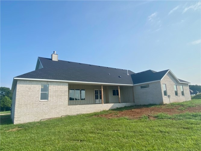 1045 River Hollow Road, Fayetteville, AR 72703