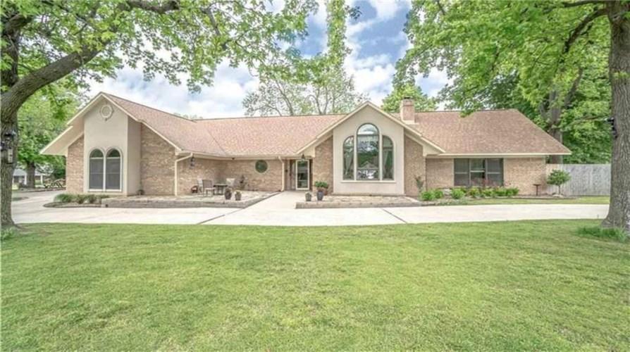 1606 Ranch Drive, Springdale, AR 72762