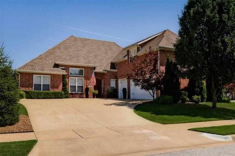 804 SW Thorncroft Avenue, Bentonville, AR 72713