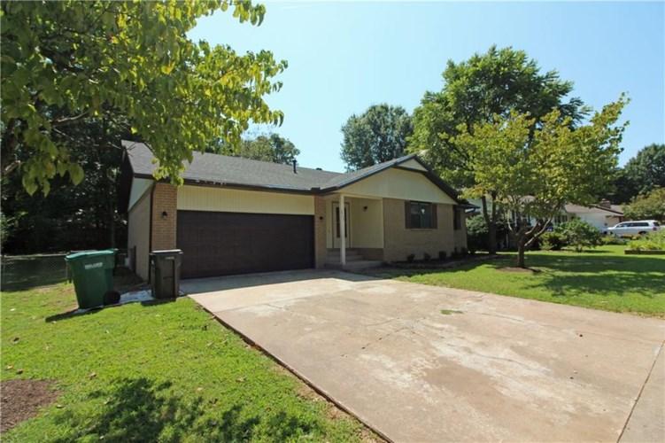 2904 Driftwood Lane, Rogers, AR 72756