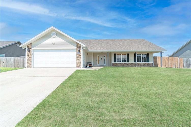 1380 General Parson Drive, Prairie Grove, AR 72753