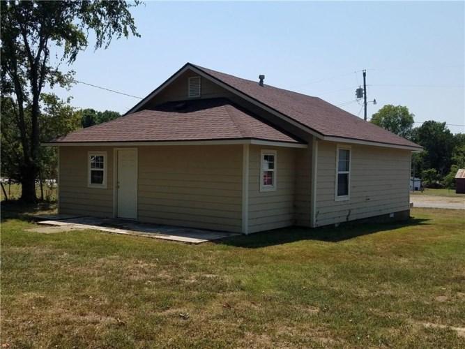 142 Oak Street, Kansas, OK 74347