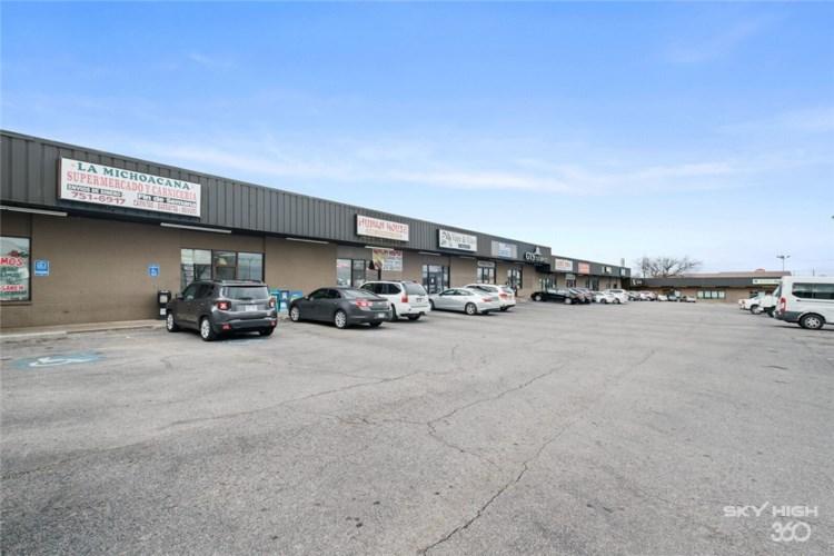 812 N Thompson Street  #16, Springdale, AR 72764