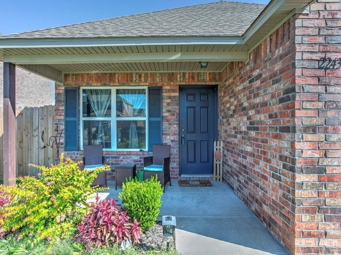 2243 N Champions Court, Siloam Springs, AR 72761