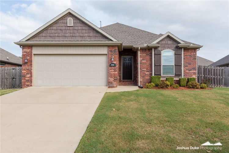 3556 Country Meadows Street, Fayetteville, AR 72704