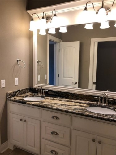 4206 W Candlewood Place, Rogers, AR 72758