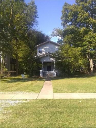305 E Tahlequah Street, Siloam Springs, AR 72761