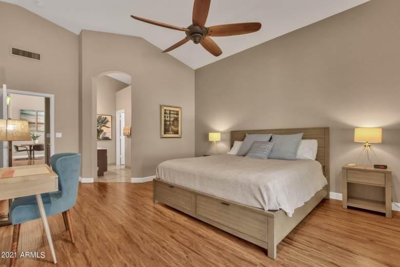 1138 E AMBERWOOD Drive, Phoenix, AZ 85048