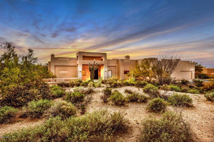 8925  CAVE CREEK Road, Carefree, AZ 85377