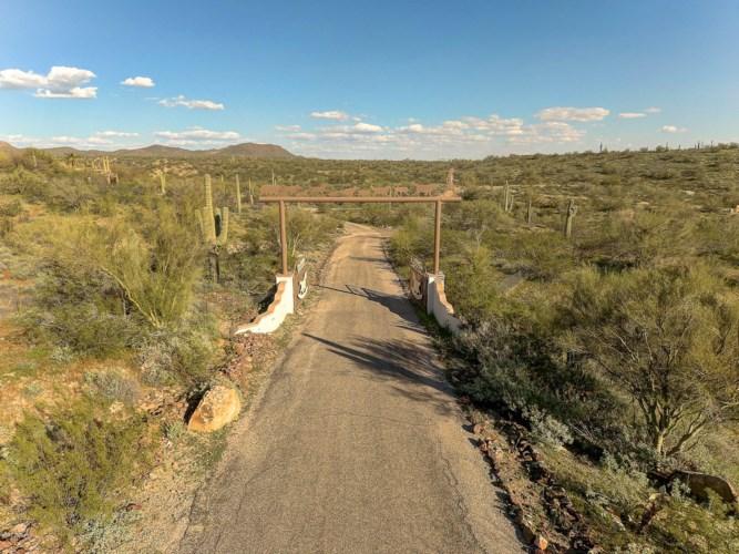 28331 W Rocking Horse Lane, Morristown, AZ 85342