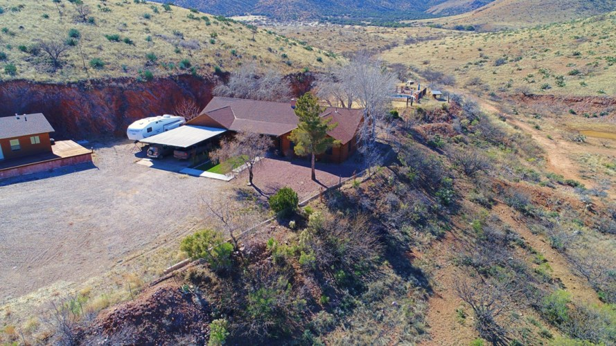 735 W EAGLE WINGS Road, Pearce, AZ 85625