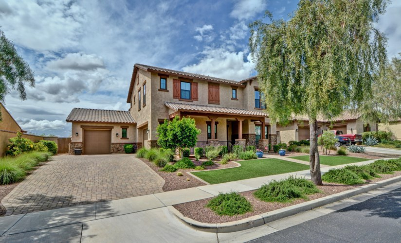20343 W CRESCENT Drive, Buckeye, AZ 85396