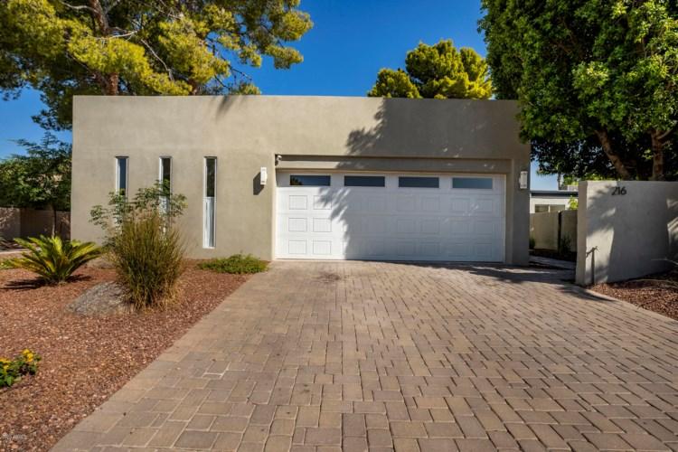 216 W WINGED FOOT Road, Phoenix, AZ 85023