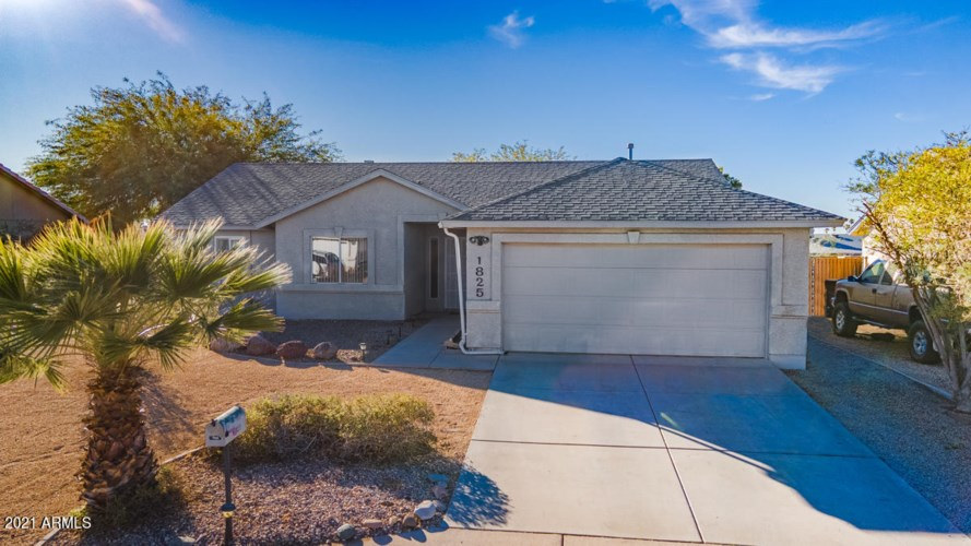1825 W 12TH Avenue, Apache Junction, AZ 85120
