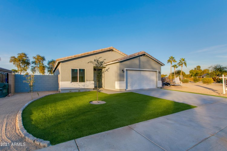 16172 W WOODLANDS Avenue, Goodyear, AZ 85338