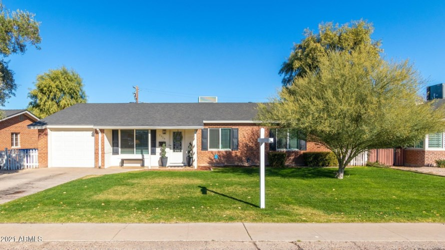 2324 E DEVONSHIRE Avenue, Phoenix, AZ 85016